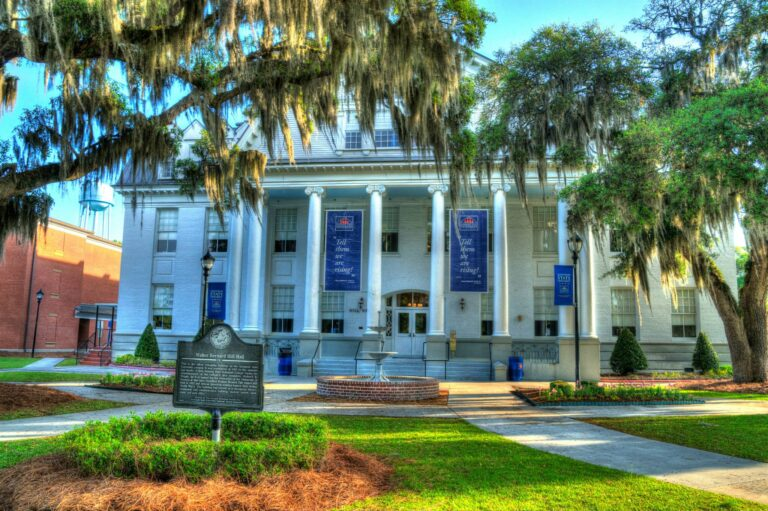 Savannah State University apologizes after sending out email denying admission to 4,019 previously accepted students